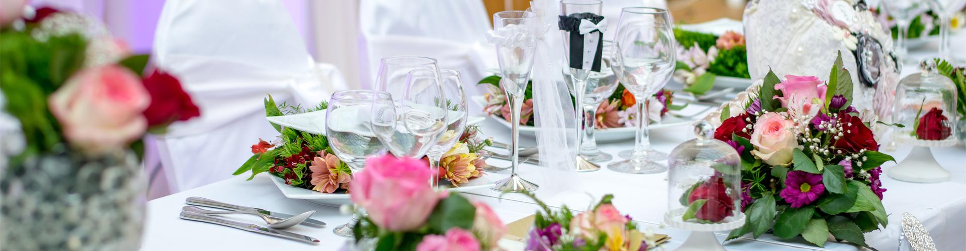 Niepowtarzalne dekoracje sal weselnych